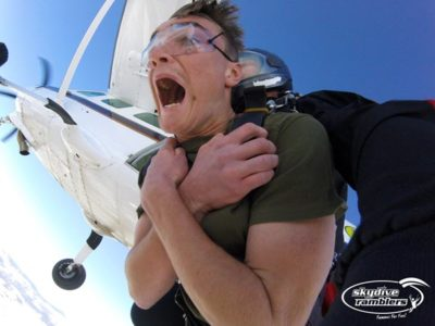 overcome your fear of skydiving